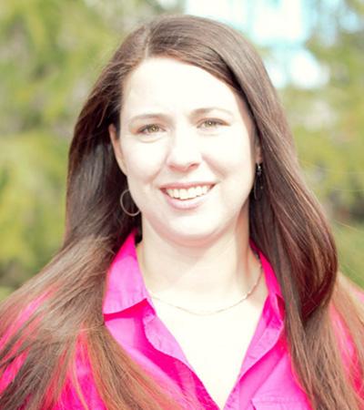 Dr. Lisa Plesa